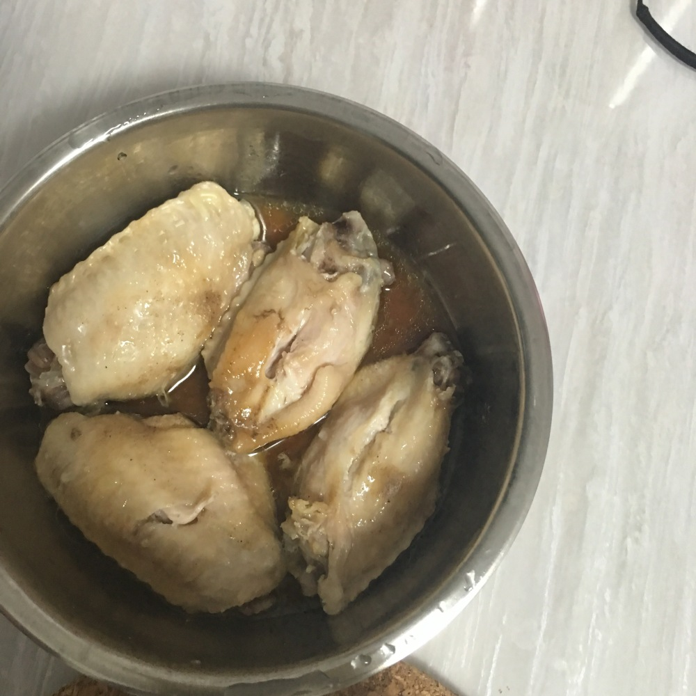 Steamed Chicken Mid Joints with Electric Lunch Box